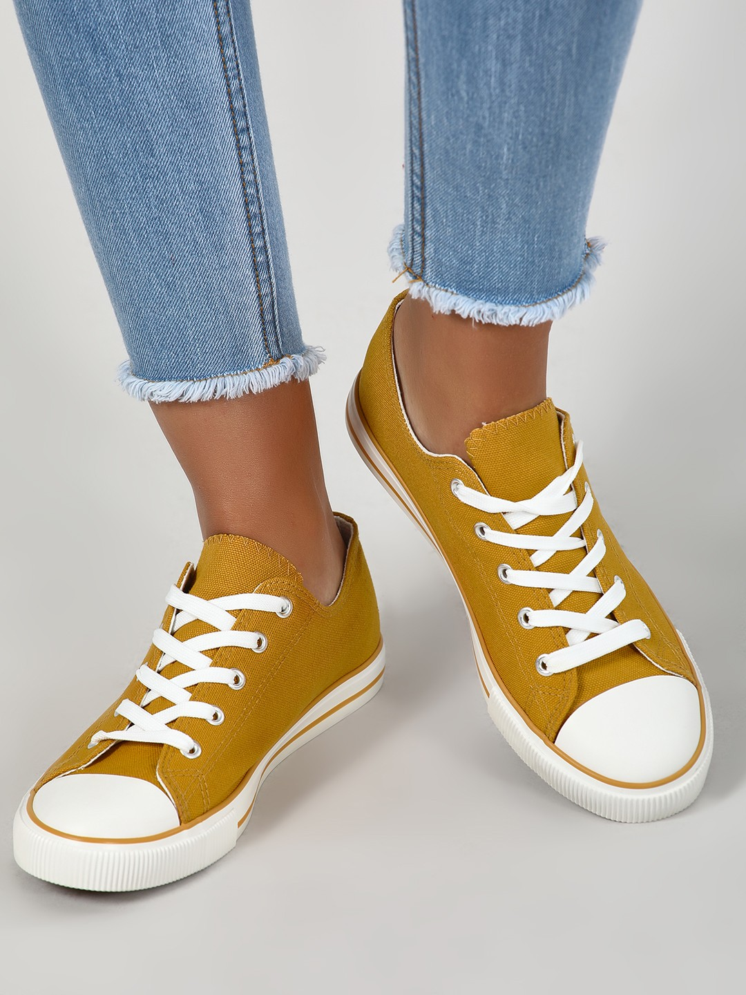 New Look BRIGHT YELLOW Lace-Up Sneakers 1