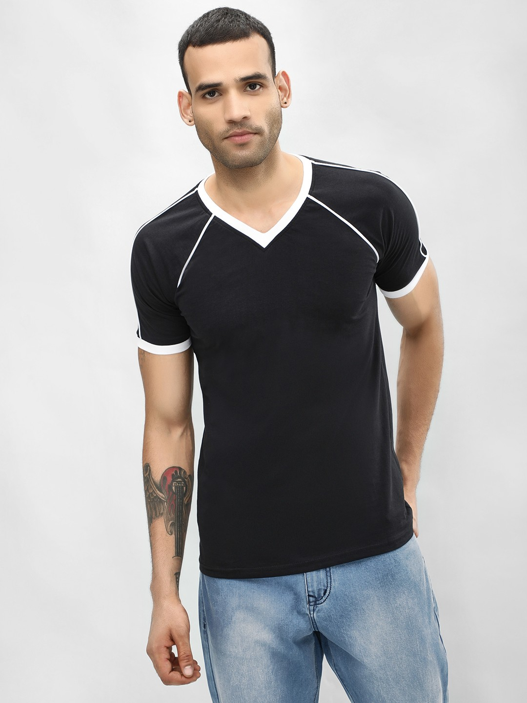 Blotch Black Contrast Rib Detail V-Neck T-Shirt 1