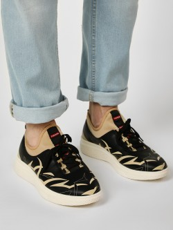 Kindred Printed Side Punched Sole Sneakers