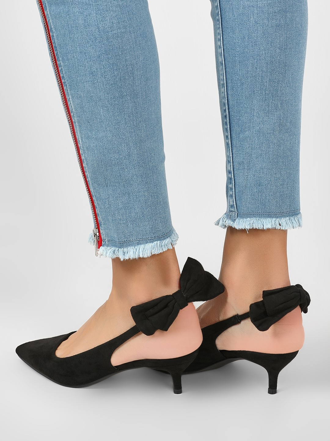 Intoto Black Kitten Heels With Bow Detail 1