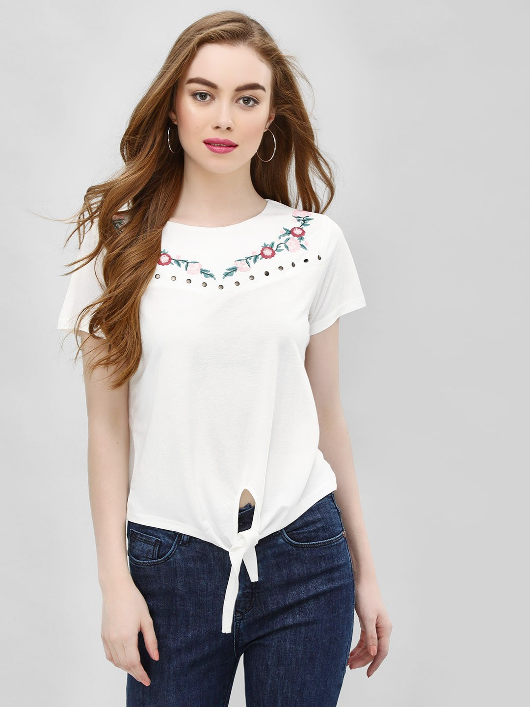 Cover Story White Front Tie Knot Embroidered T-Shirt 1