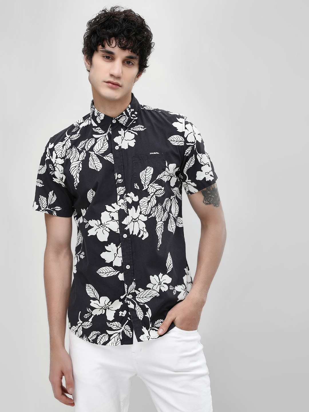 Spring Break Black Floral Print Slim Shirt 1