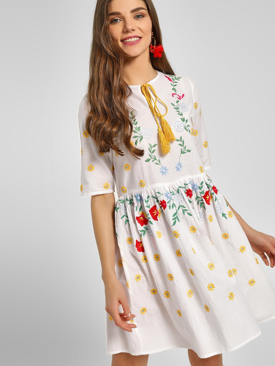 KOOVS White Floral Embroidered Shift Dress 1