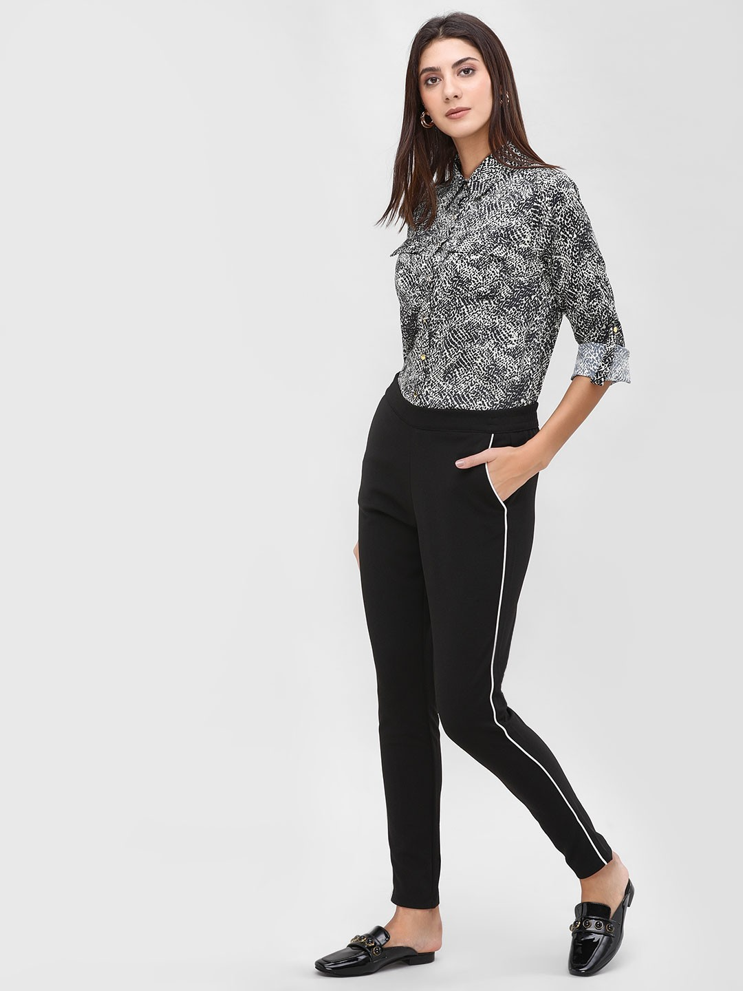 Only Black Contrast Piping Detail Pants 1