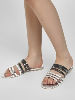 CAi Metallic Multi-Strap Flat Sandals