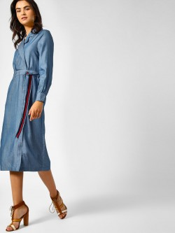 PostFold Maxi Dress With Contrast Tie Up