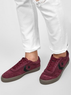 Converse Courtlandt Ox Low Top Sneakers
