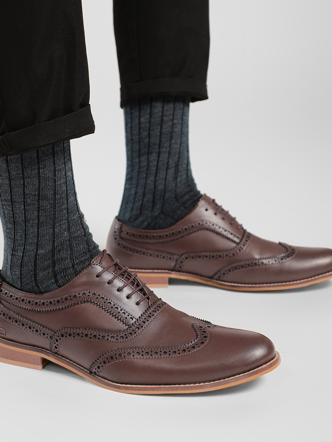 Griffin Brown Derby Toe Punches Formal Shoes 1