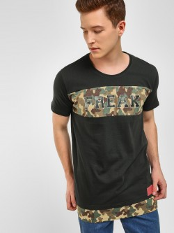 Fighting Fame Text Camo Print T-Shirt