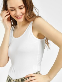 KOOVS Scoop Neck Sleeveless Bodysuit