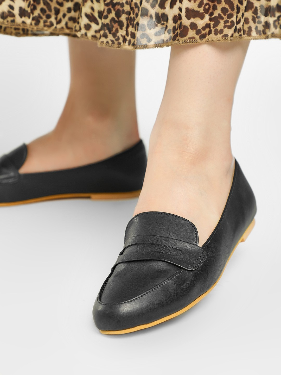KOOVS Black Basic Loafers 1