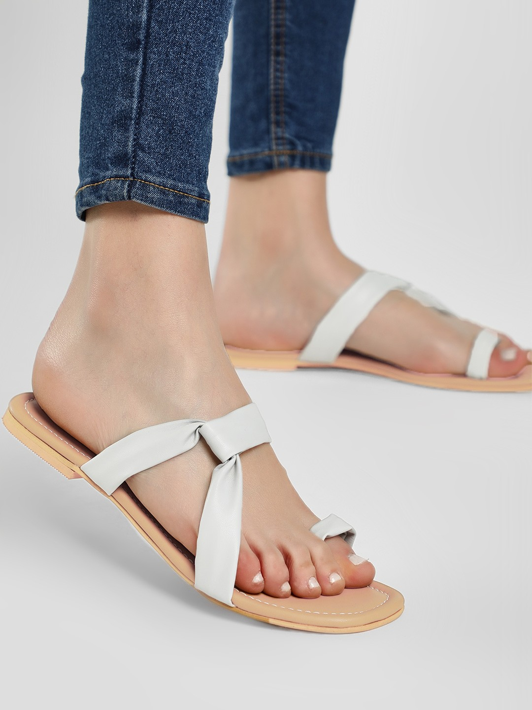 CAi Grey Toe Post Flat Sandals 1