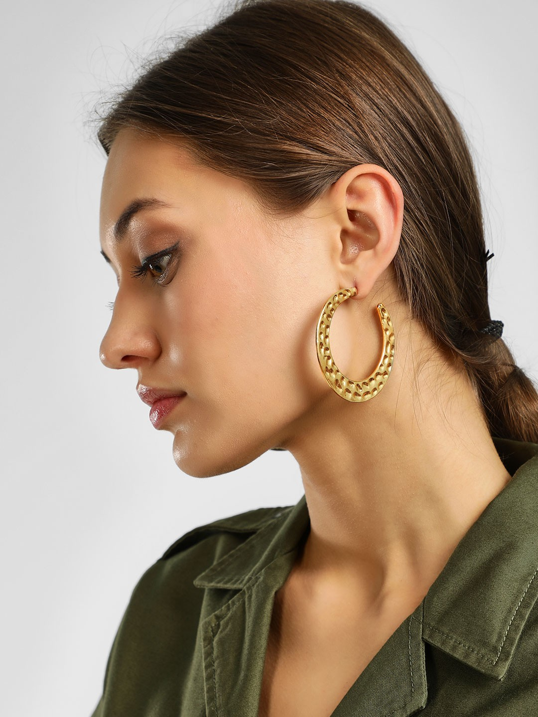Style Fiesta Gold Large Embossed Hoops 1