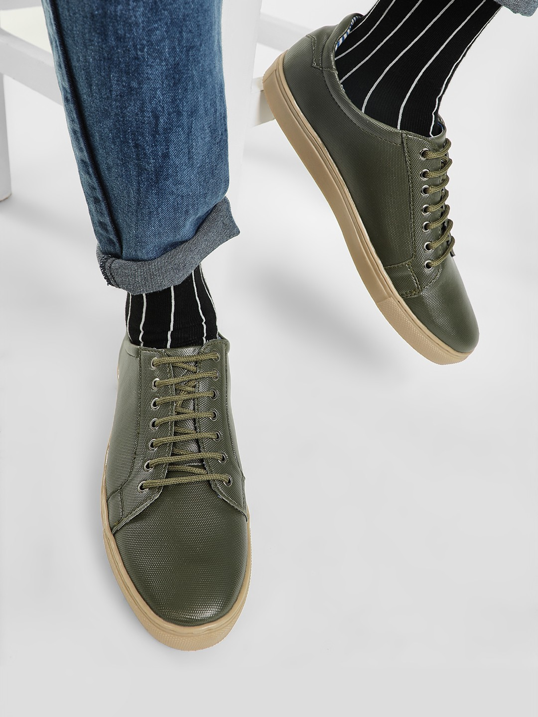 Bolt Of The Good Stuff Green Contrast Sole Textured Sneakers 1