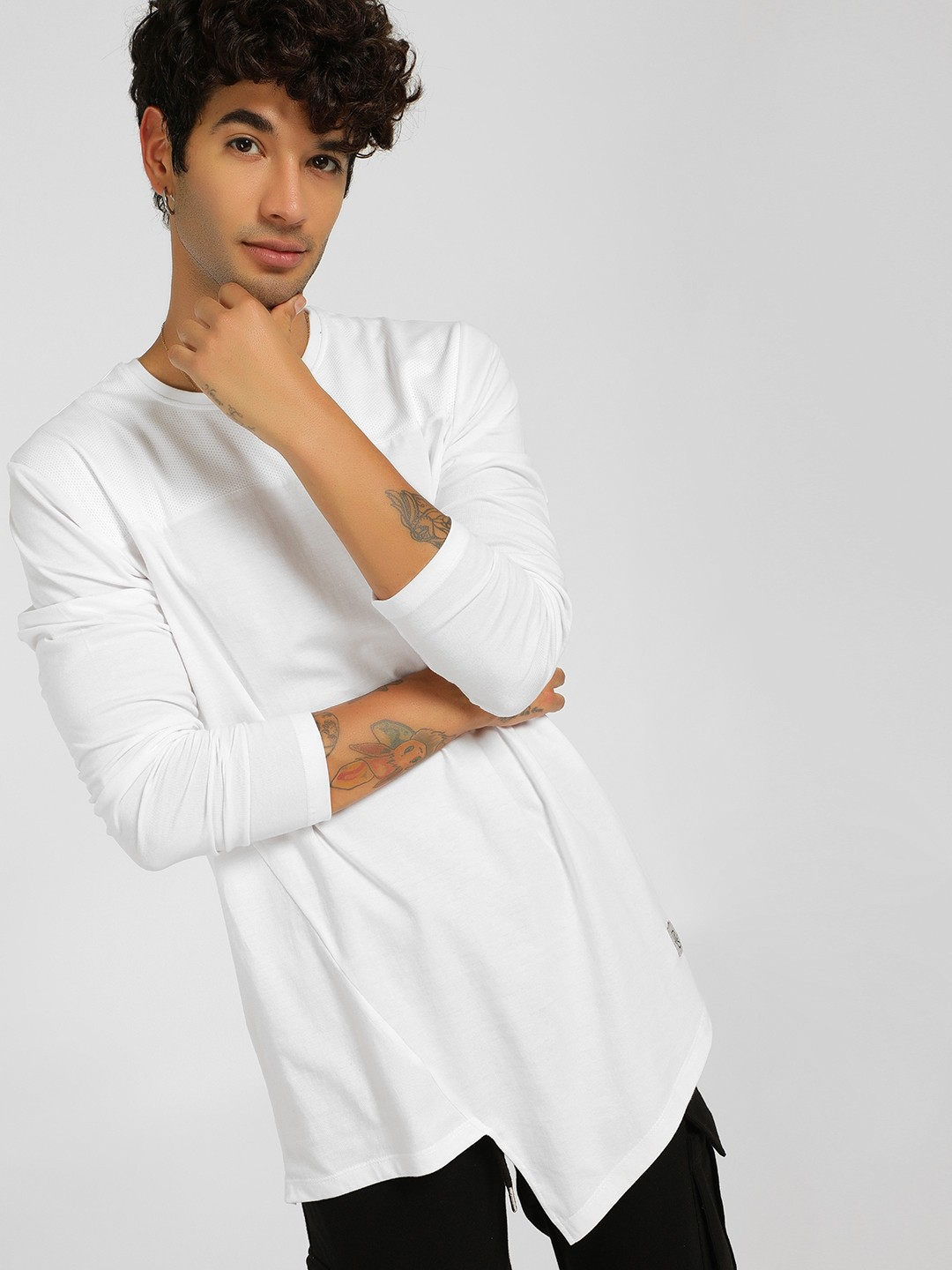 SKULT By Shahid Kapoor White Panelled Asymmetric Hem T-Shirts 1