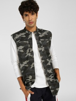 SKULT By Shahid Kapoor Sleeveless Camo Print Jacket