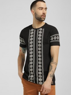 Fighting Fame Paisley Stripe Print T-Shirt