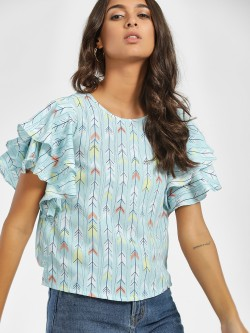 AND Arrow Print Ruffle Top
