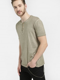 Soulstar Loose String Distressed Henley T-Shirt