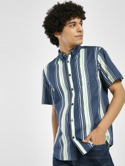 D-Struct Vertical Stripe Short Sleeve Shirt