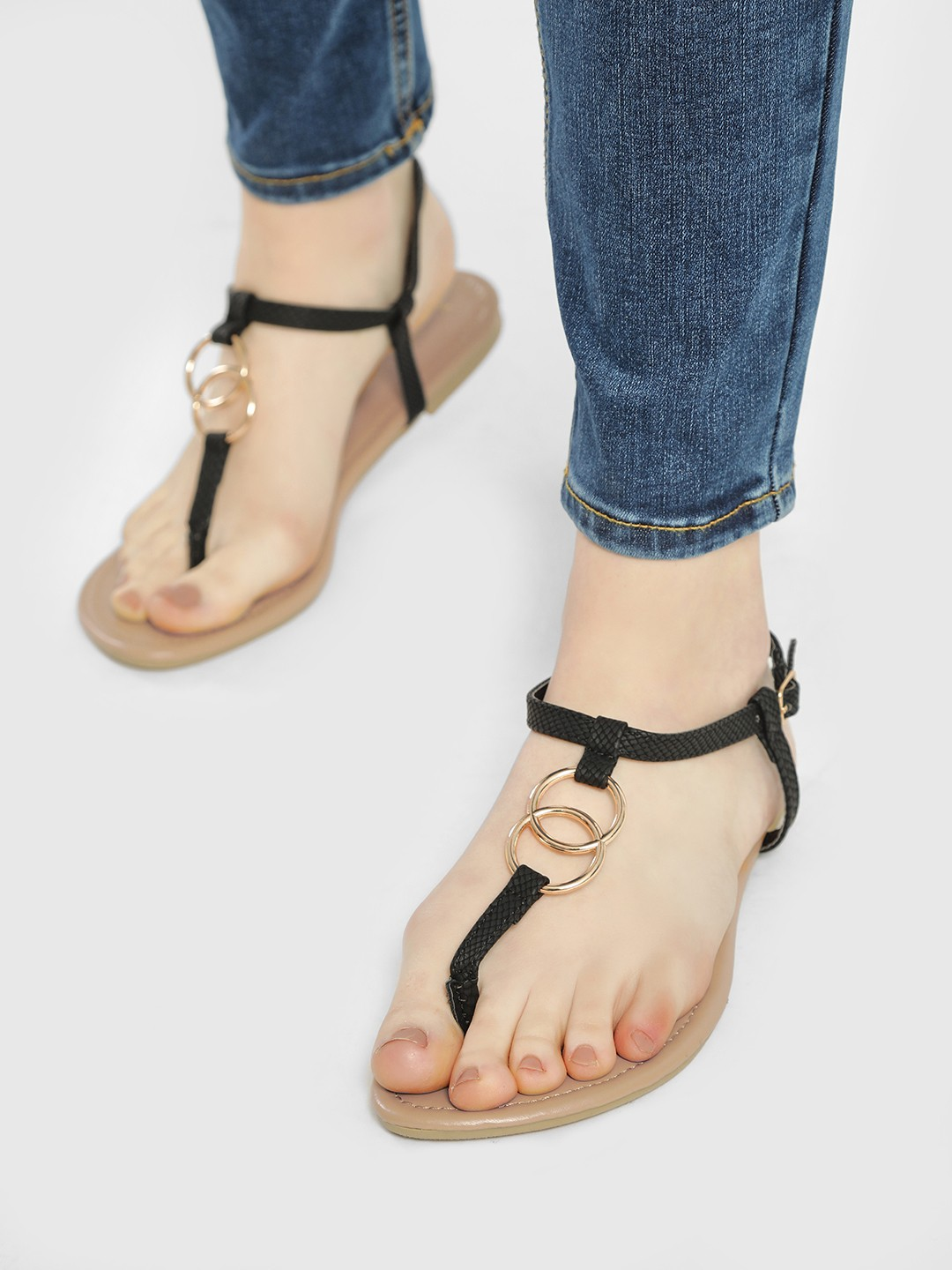 New Look Black Ring Strap Flat Sandals 1