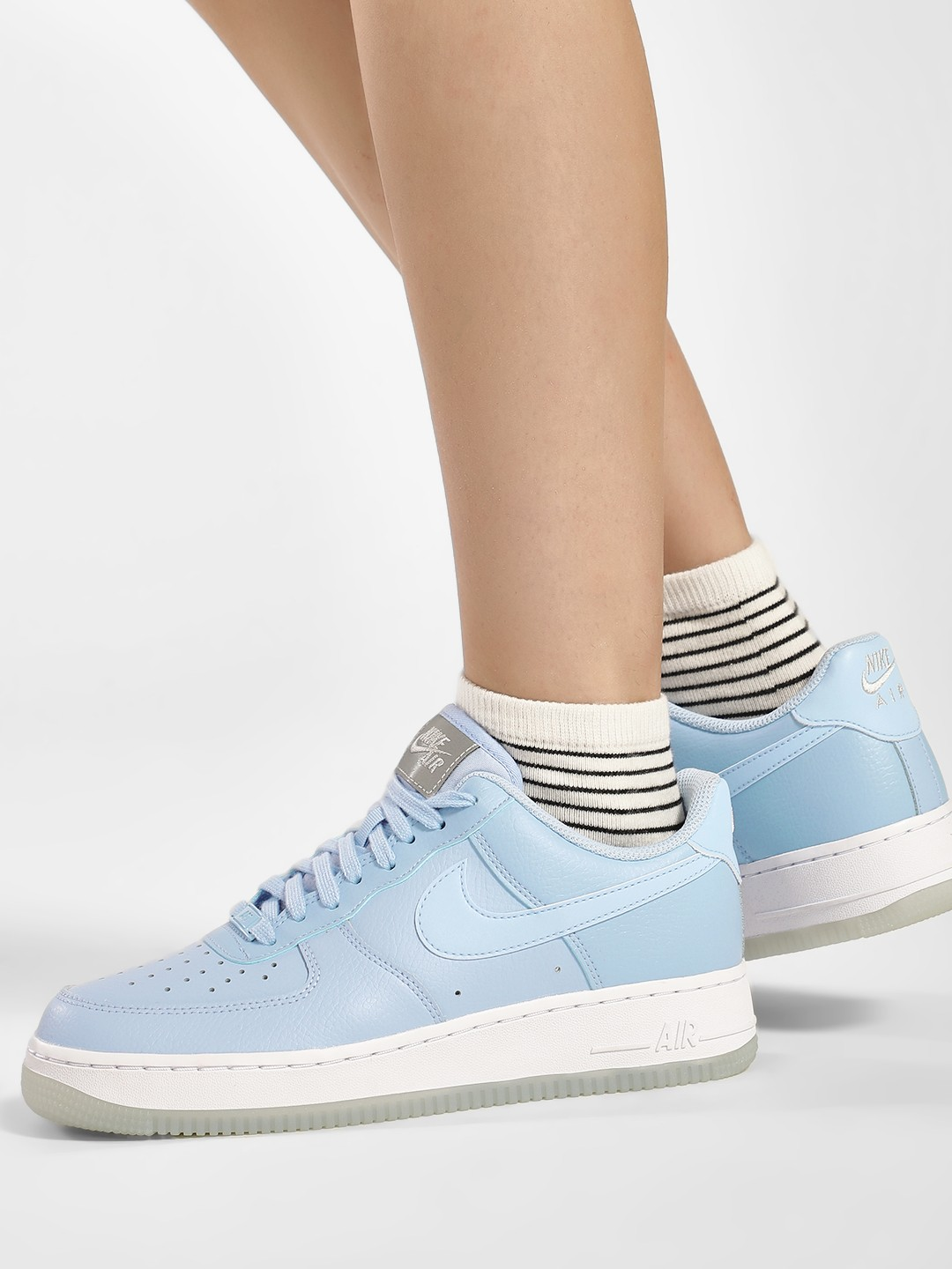 Buy Nike White Air Force 1 '07 Shoes for Girls Online in India