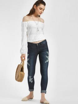 ISU Floral Embroidered Cropped Skinny Jeans