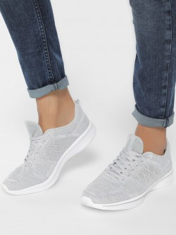 Peak Mesh Knitted Panel Running Shoes