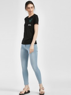 People Light Wash Cropped Skinny Jeans