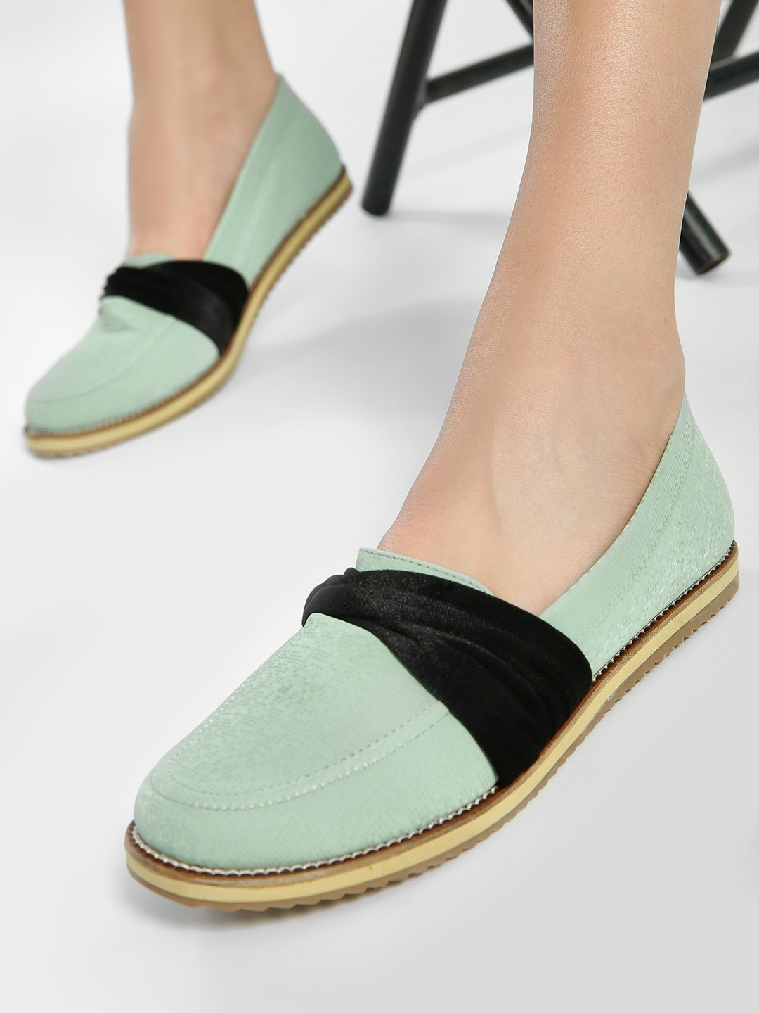 Wet Blue Green Velour Ribbon Cushioned Loafers 1