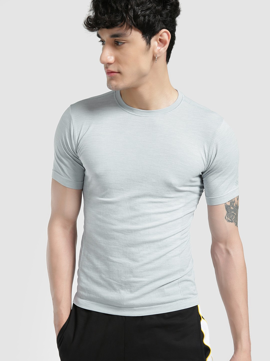 Under Colors of Benetton Grey Seamless Woven Muscle Fit T-Shirt 1