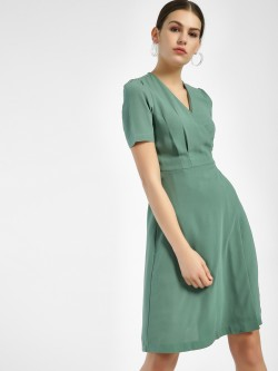 Miaminx Back Tie-Knot Shift Dress