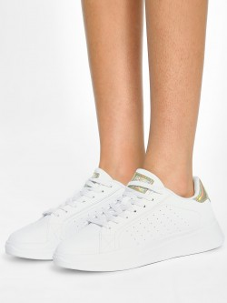 Peak Contrast Tab Perforated Sneakers