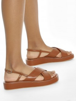 ILLIMITE Criss-Cross Strap Flatform Sandals