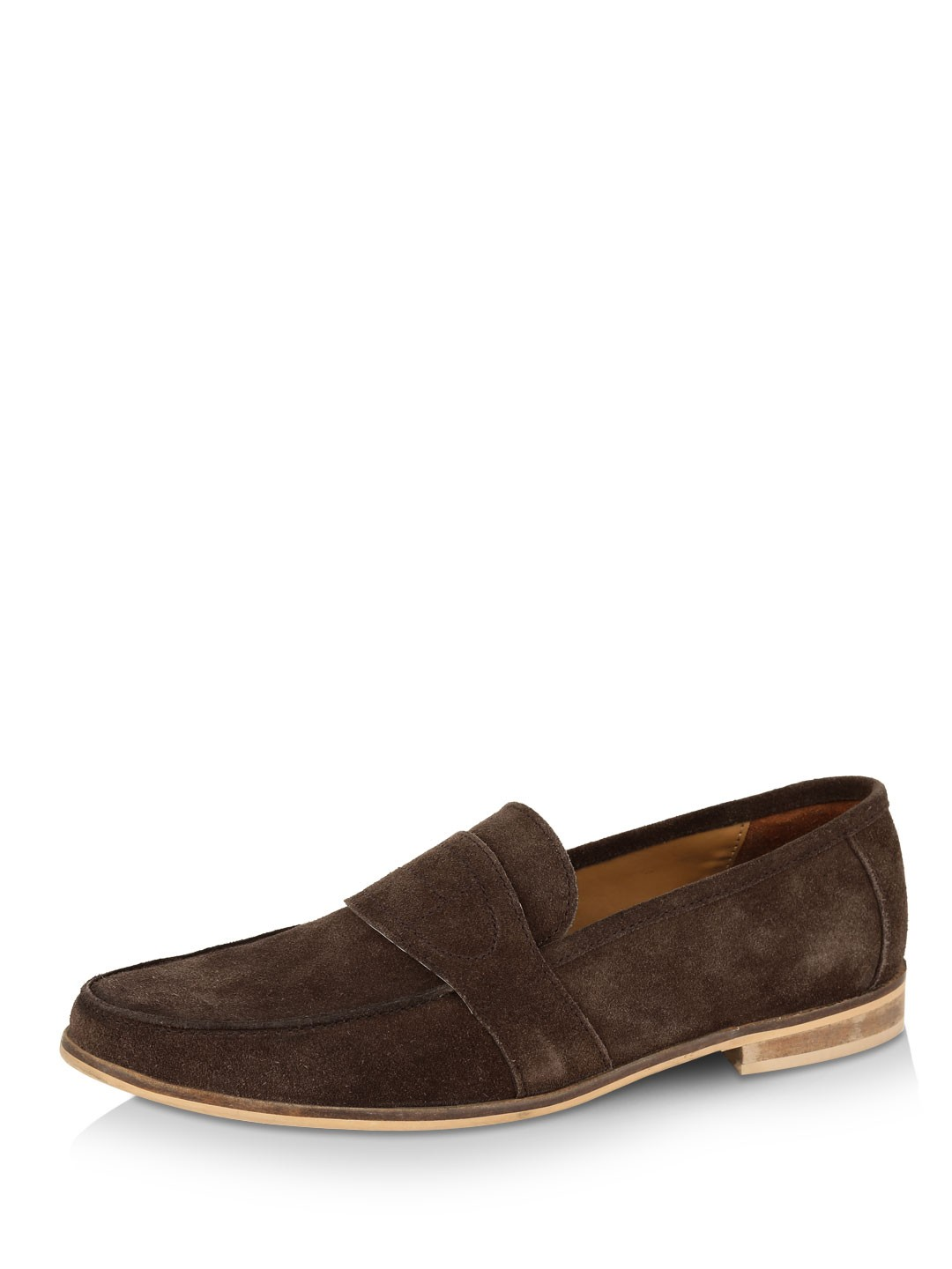 Get a pair of good quality men's loafer shoes and style it with your denim, shorts, chinos. Loafers shoes considered as essential shoes for men and it looks best on men. Here you will find stylish loafers for men in India at very affordable prices.