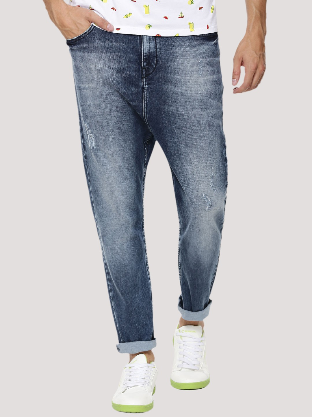 Discover men's jeans from ASOS. Hundreds of different jean styles, including skinny jeans, straight leg jeans, bootcut and coloured denim. ASOS DESIGN drop crotch jeans in vintage light wash blue with heavy rips. $ ASOS DESIGN super skinny jeans in black. $ ASOS DESIGN super skinny in white with knee rips.